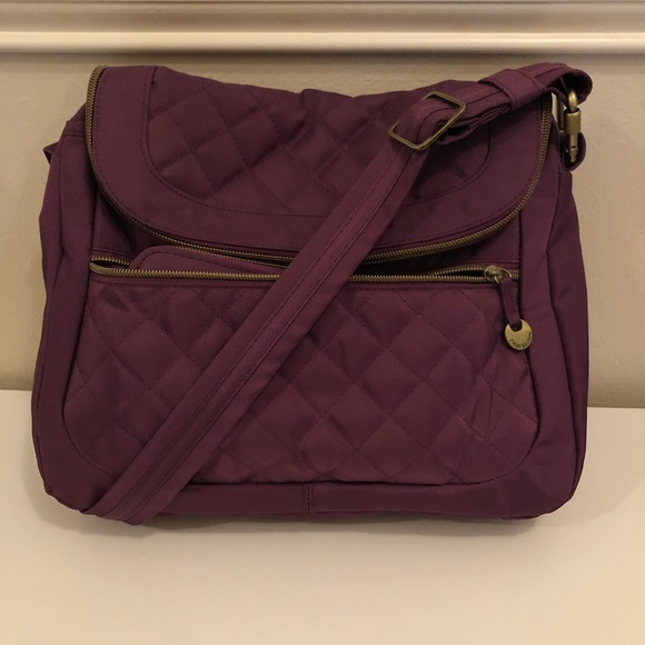 Travelon Bags   Quilted Antitheft Crossbody Bag W Wallet   Poshmark 8493d9b289